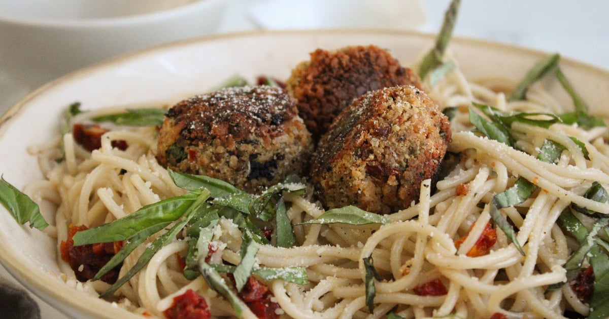 "Looking For a Delicious Meatless Meal? Try These Chickpea and Sun-Dried Tomato ""Meatballs"""