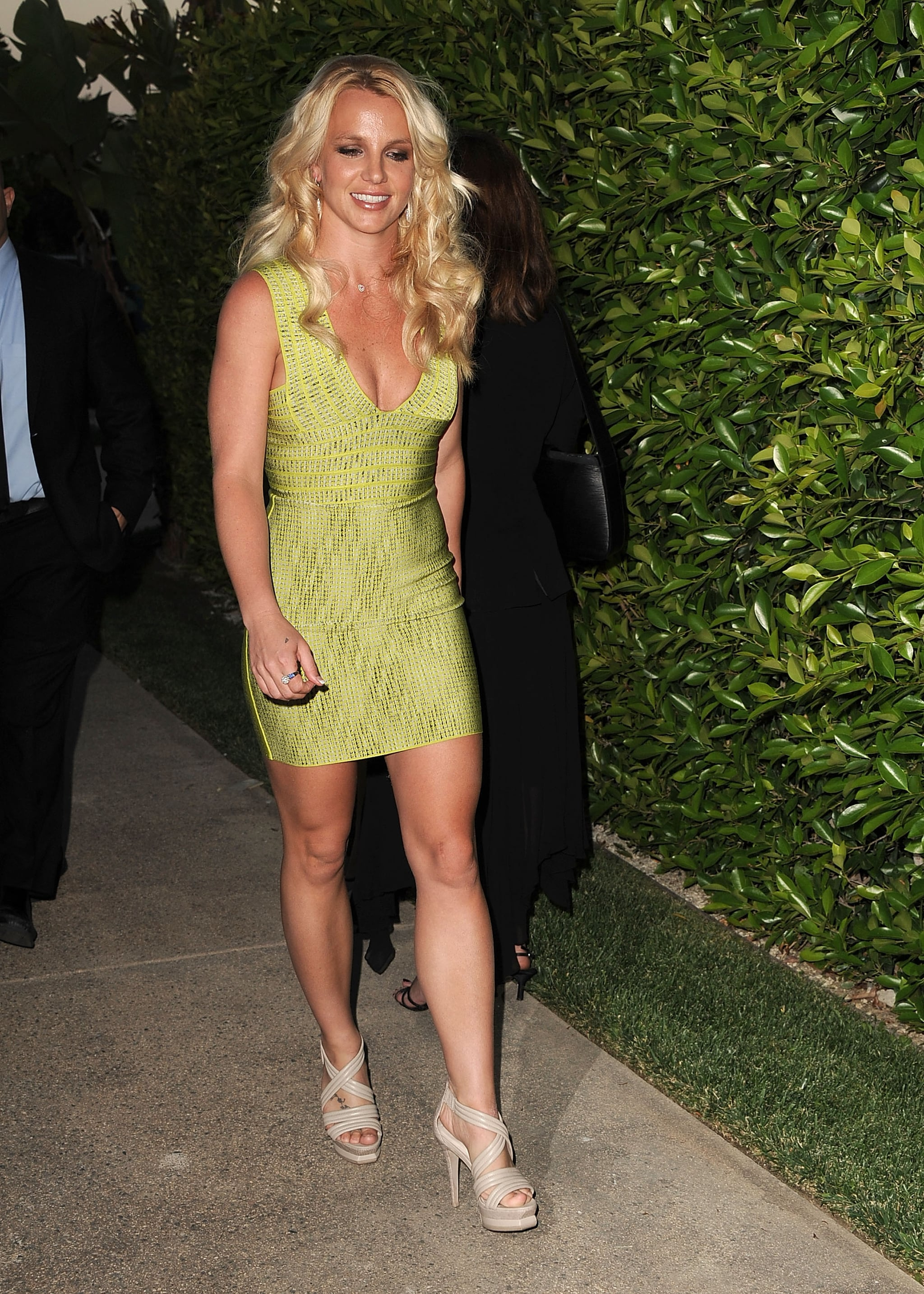 pictures of britney spears in tight green dress with jason