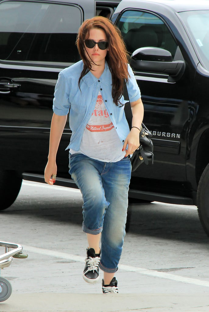 Kristen Stewart Rocks Boyfriend Jeans As She Leaves New York