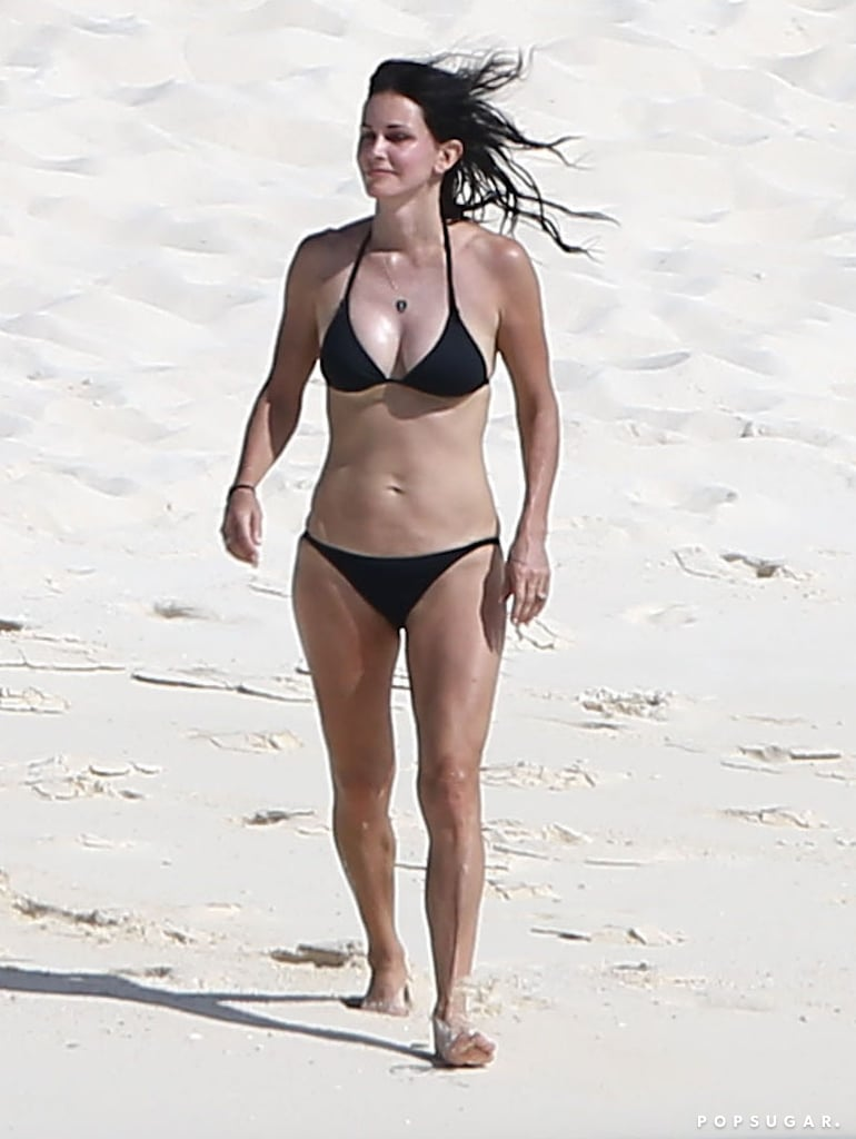 Courteney Cox's Bikini Body Is Incredible at 50!