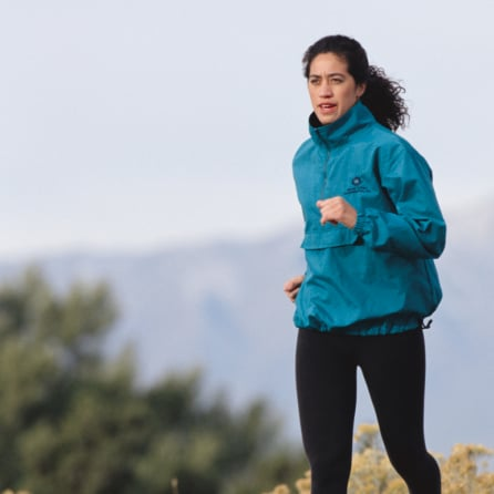How to Stay Warm While Running Outdoors