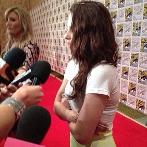 Kristen Stewart happily chatted with press prior to the Breaking Dawn Part 2 discussion panel at Comic-Con.