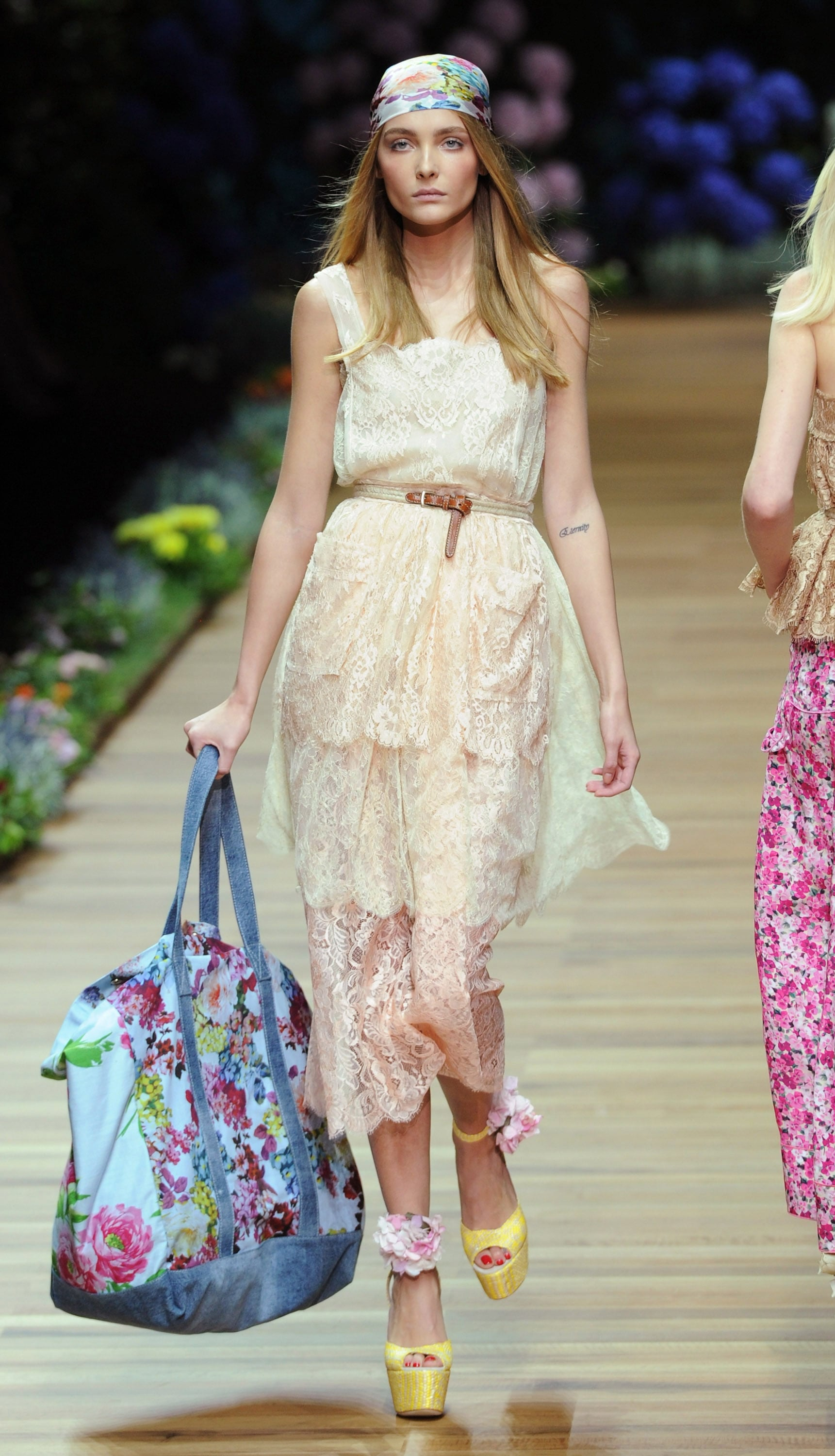 Spring 2011 Milan Fashion Week: D&G