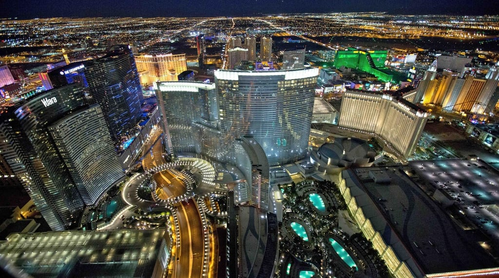 Deluxe Las Vegas Helicopter Night Flight with VIP Transportation (Las Vegas, NV)