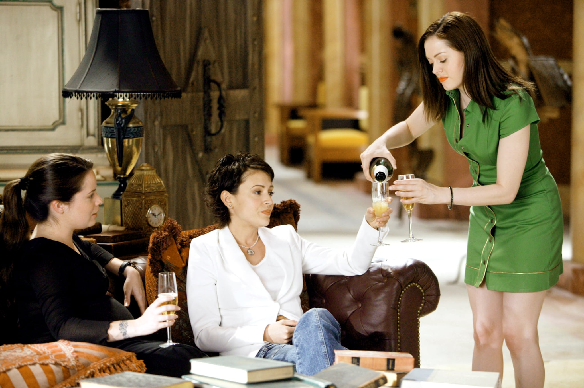 CHARMED, Holly Marie Combs, Alyssa Milano, Rose McGowan, 'Witch Wars', (Season 6), 1998-2006, photo: Richard Cartwright / Viacom / courtesy: Everett Collection