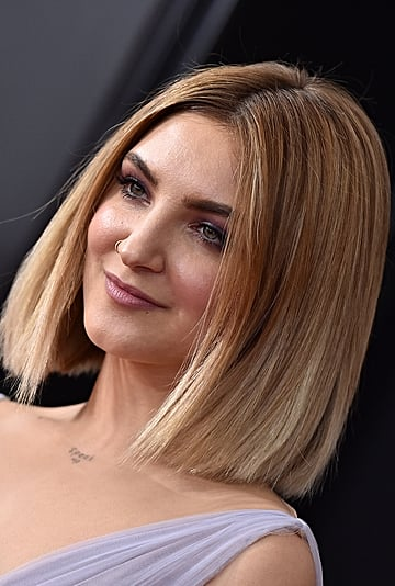 Julia Michaels on Body Hair, Tattoos, and '60s Makeup