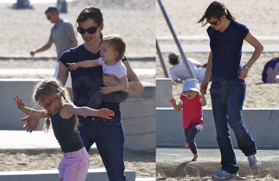 Photos of Jennifer Garner, Violet Affleck, and Seraphina Affleck Together at Santa Monica Beach