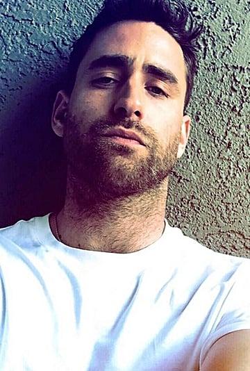 Oliver Jackson-Cohen Hot Pictures