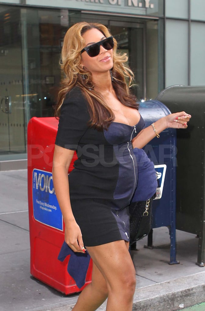 a02609e860701 Pregnant Beyonce Knowles in Tight Dress Pictures   POPSUGAR Celebrity