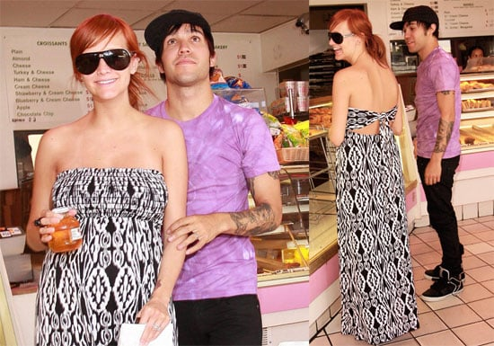 Photos of Pregnant Ashlee Simpson and Pete Wentz At Breakfast in LA