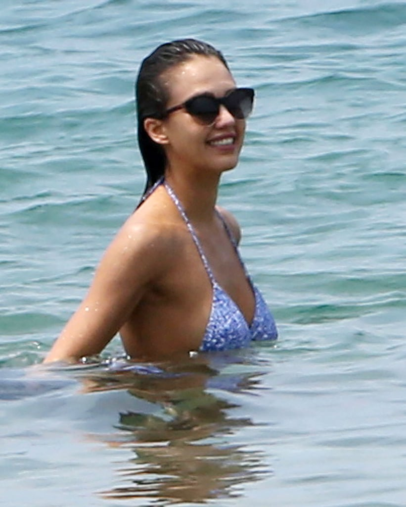 Jessica Alba Makes the Case For a Sporty New Cover-Up on the Beach