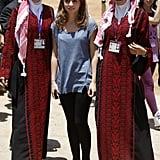 عندما تختار الإطلالة غير الرسمية، ترتدي الأميرة إيمان خفافة عملية وأنيقة