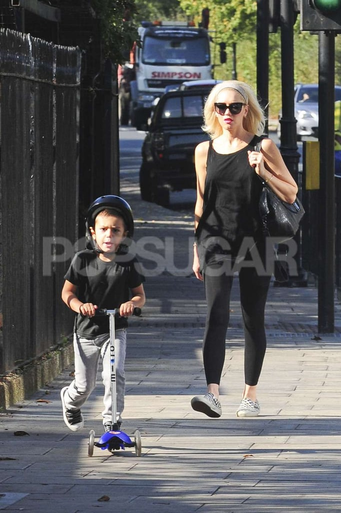 Gwen Stefani watched Kingston Rossdale ride his scooter.