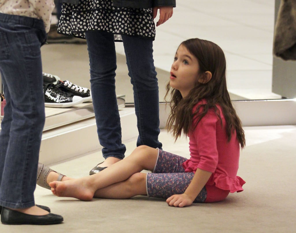 Pictures Of Suri Cruise Trying On High Heels With Katie