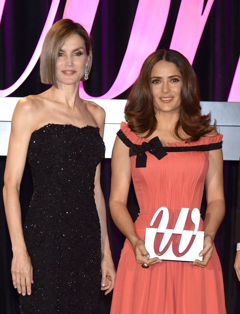 Queen Letizia Giving Salma Hayek a Premios Woman Award 2015