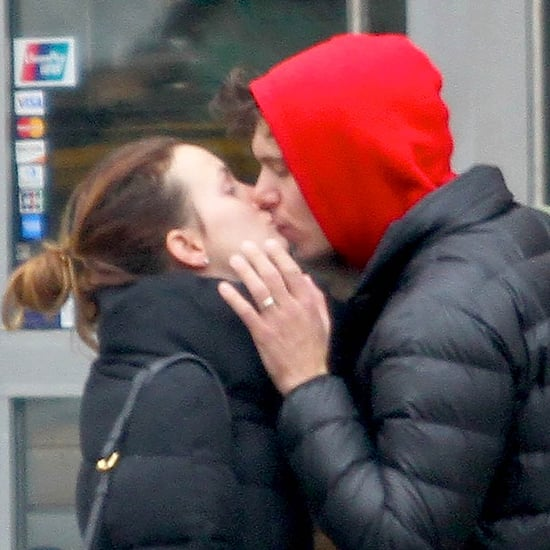 Leighton Meester and Adam Brody Kissing | Pictures