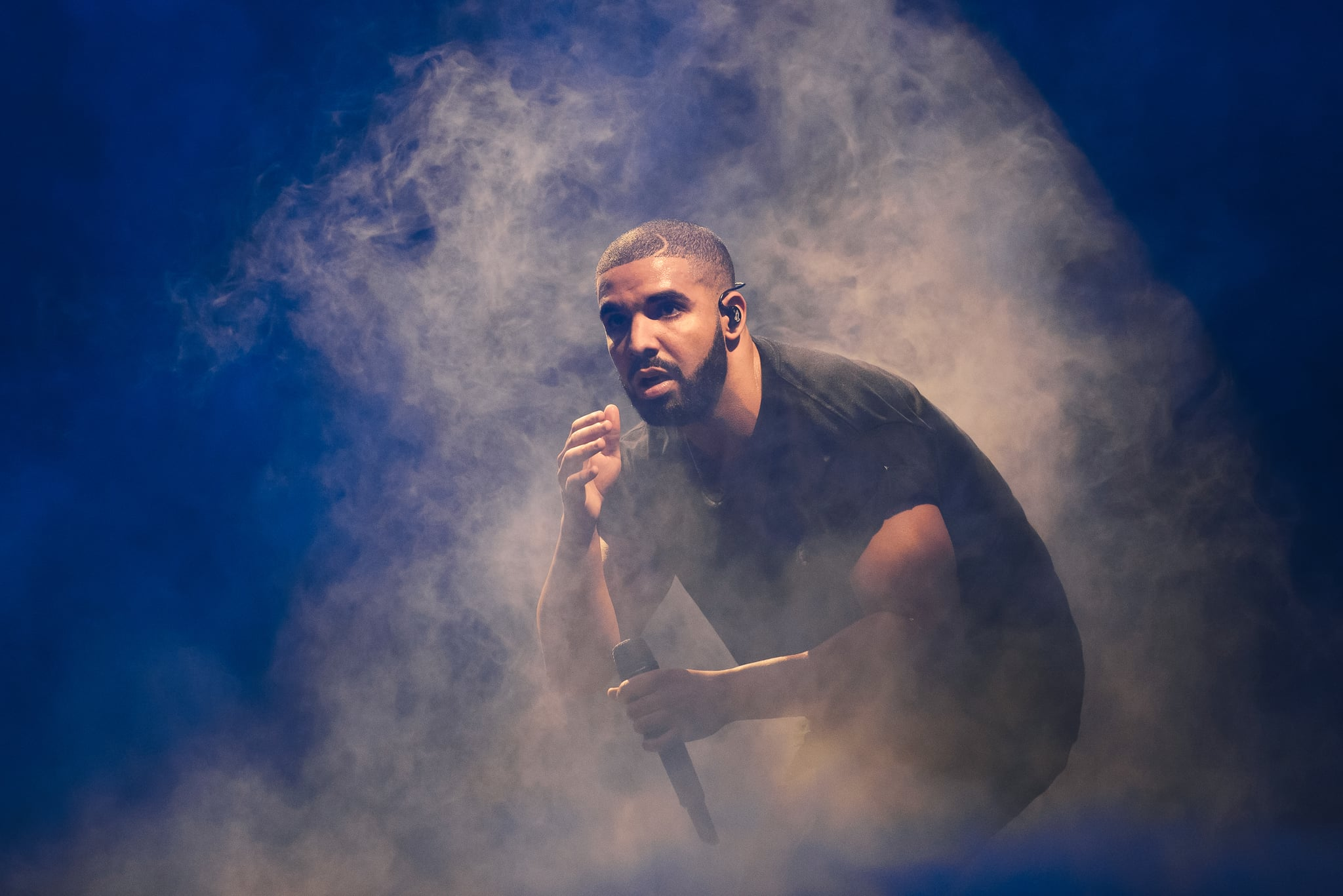 LONDON, ENGLAND - JUNE 28:  Drake performs at the New Look Wireless birthday party at Finsbury Park on June 28, 2015 in London, England.  (Photo by Joseph Okpako/WireImage)