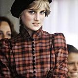 ديانا بقبّعة بيريه من تصميم فيليب سوميرفيل أثناء حضورها مهرجان مباريات بريمار عام 1981.
