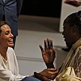 أنجلينا جولي تشارك كمحررة إذاعية في برنامج Today على الـBBC