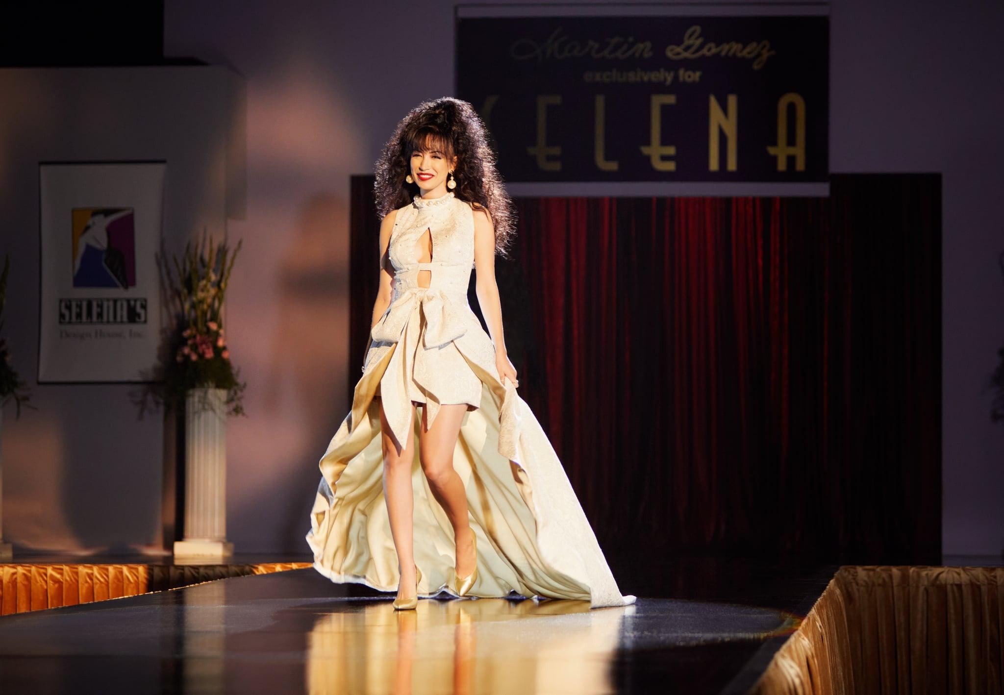 SELENA LA SERIE - Temporada 2 (L to R) CHRISTIAN SERRATOS as SELENA QUINTANILLA in Episode 207 of SELENA LA SERIE Temporada 2. Cr. SARA KHALID/NETFLIX ©️ 2021
