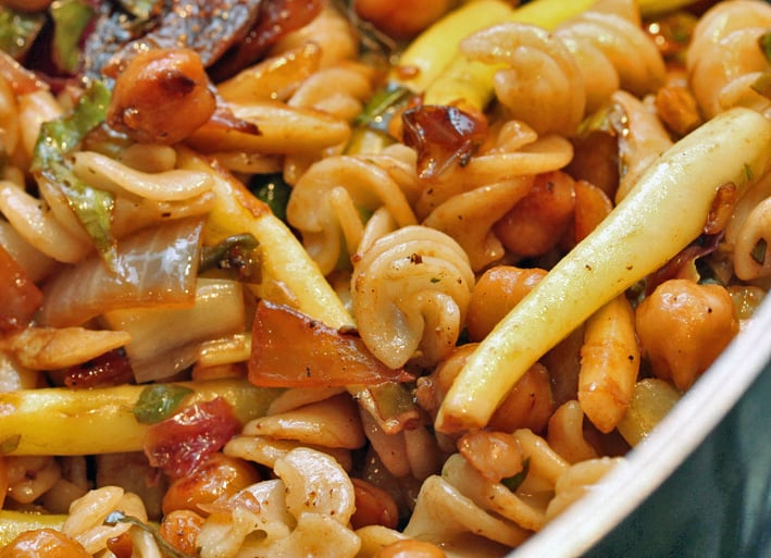 Pasta With Figs, Radicchio, and Chickpeas