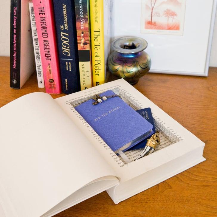 Hidden piggy bank books cool upcycling projects for Secret piggy bank