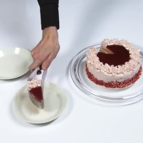 How to Cut Cake Without It Crumbling
