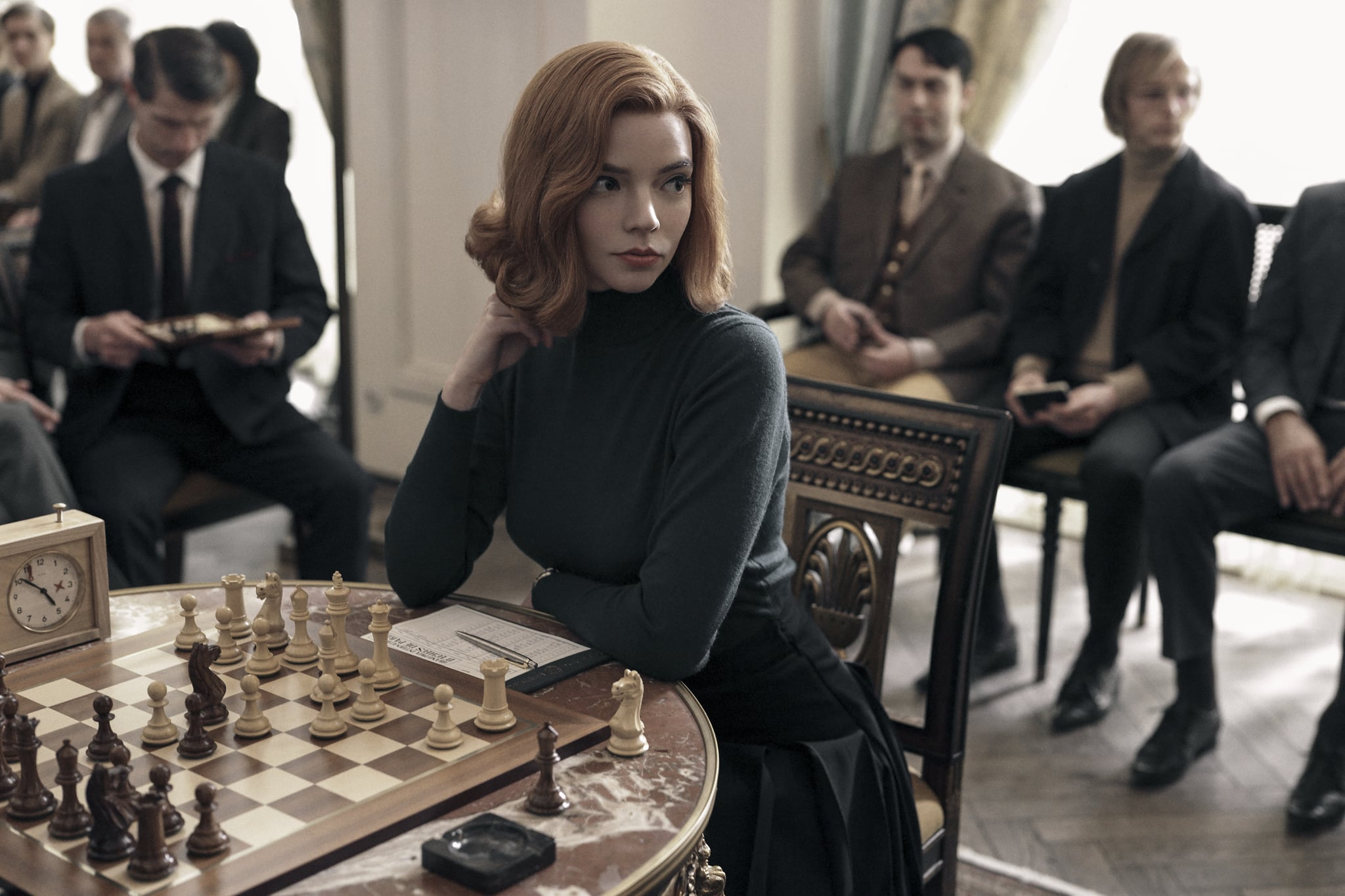 THE QUEEN'S GAMBIT (L to R) ANYA TAYLOR as BETH HARMON in THE QUEEN'S GAMBIT. Cr. CHARLIE GRAY/NETFLIX  2020