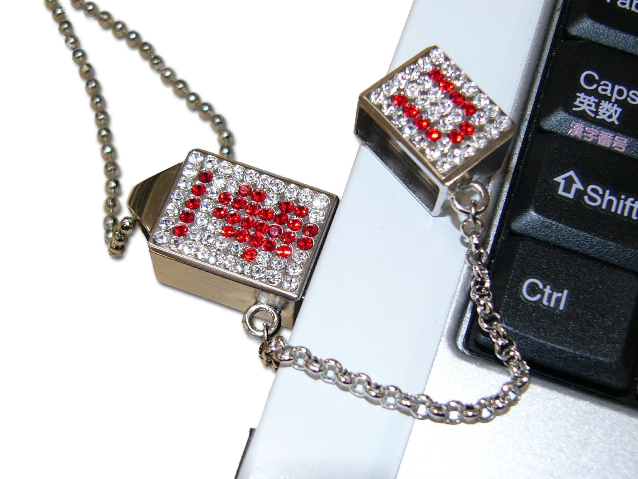 USB Bling Adds Icing To Your...Neck?