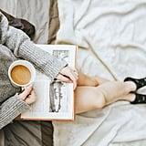خذوا معكم كتاباً إلى المقهى