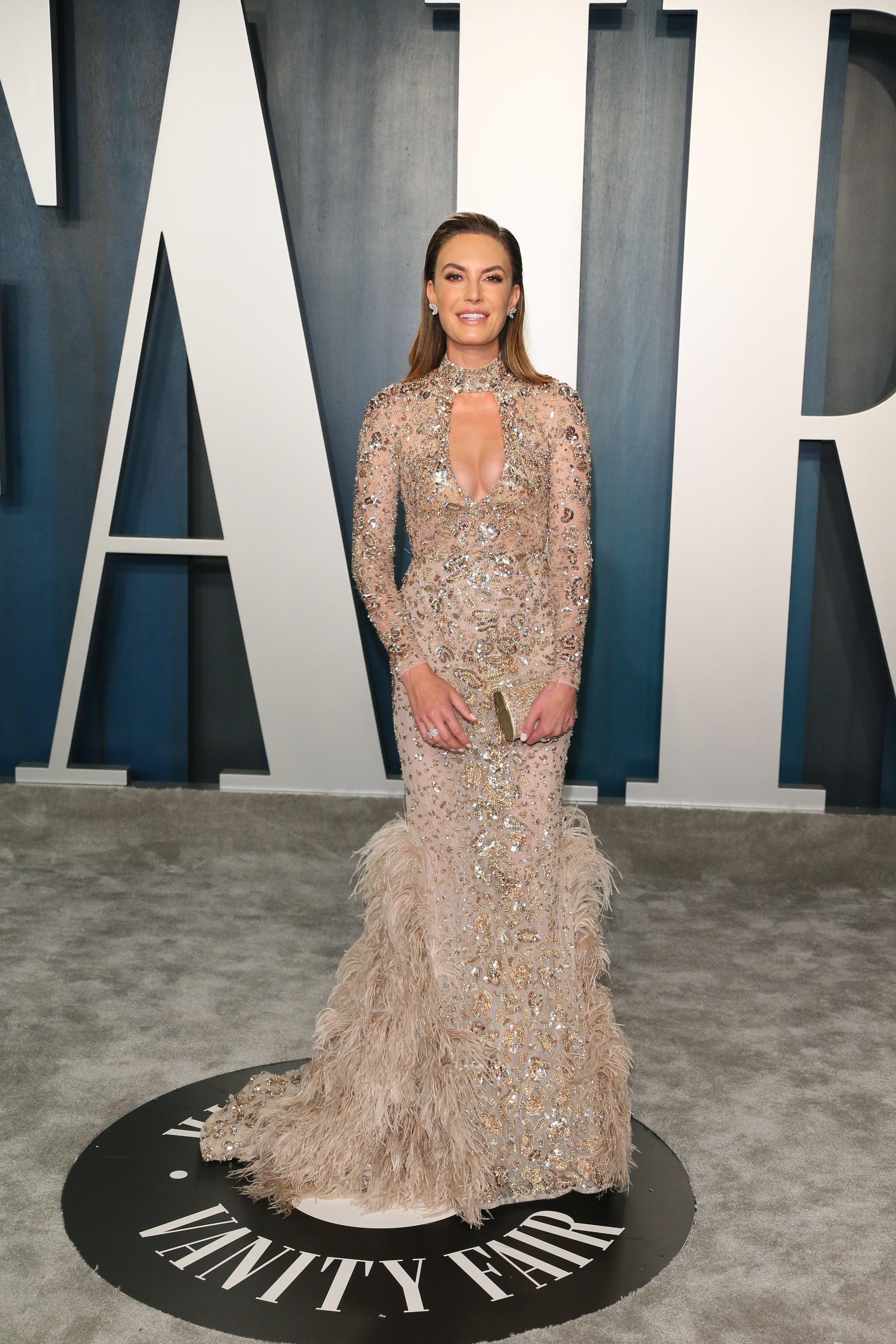 Elizabeth Chambers at the Vanity Fair Oscars Afterparty 2020 | The Glamour  Continues! These Oscars Afterparty Dresses Will Leave You in Awe | POPSUGAR  Fashion Photo 77