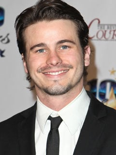jason-ritter-having-sex-lesbian-couples-licking
