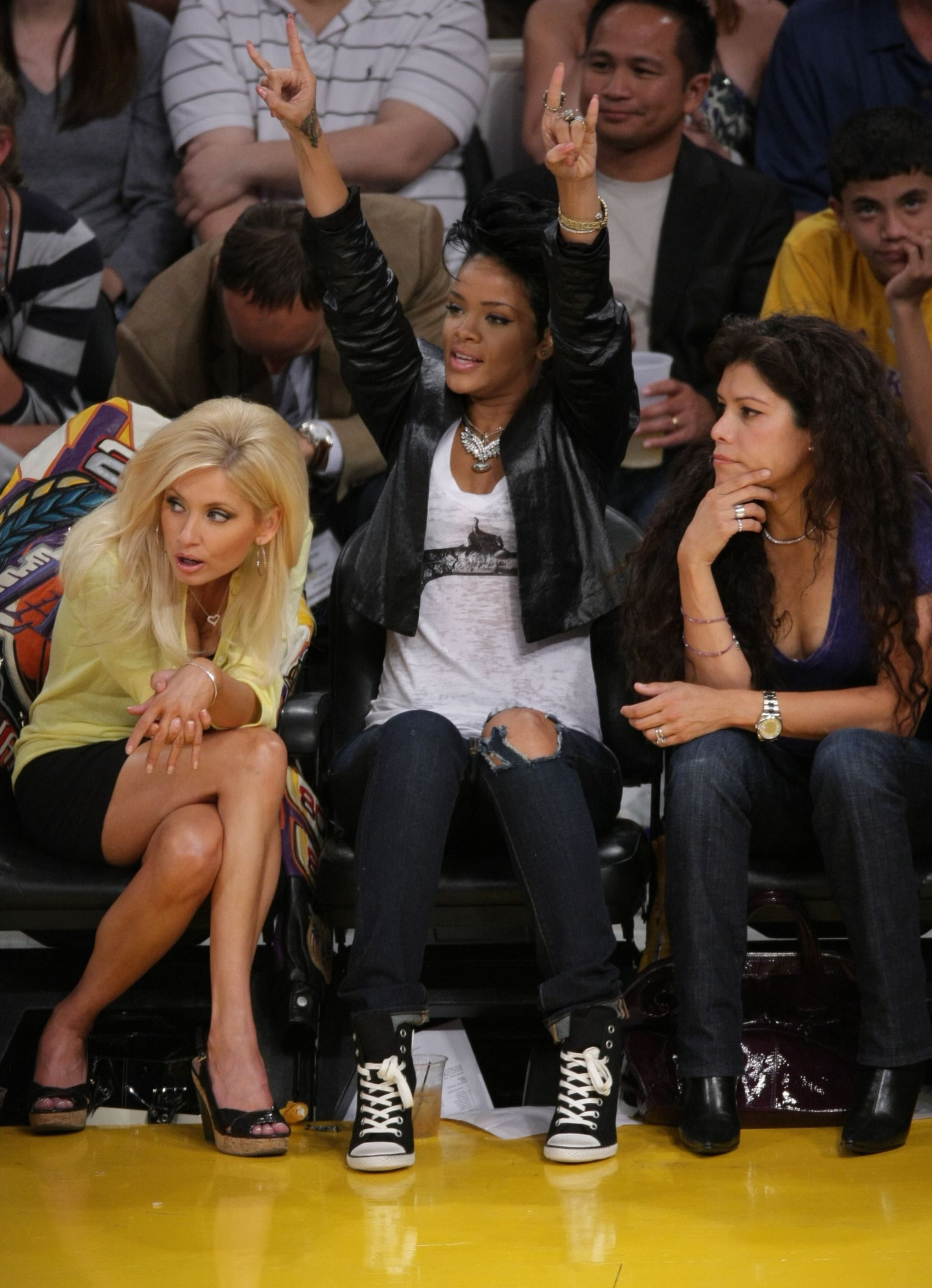 Photos of Leonardo DiCaprio, Zac Efron, Rihanna, Diddy at Lakers Game Two of the Finals ...