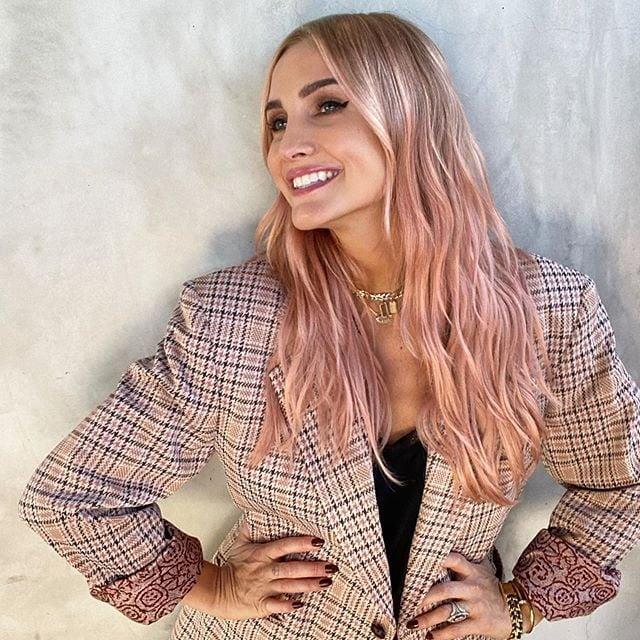 "Ashlee Simpson ""Pumpkin"" Pink Hair Color"