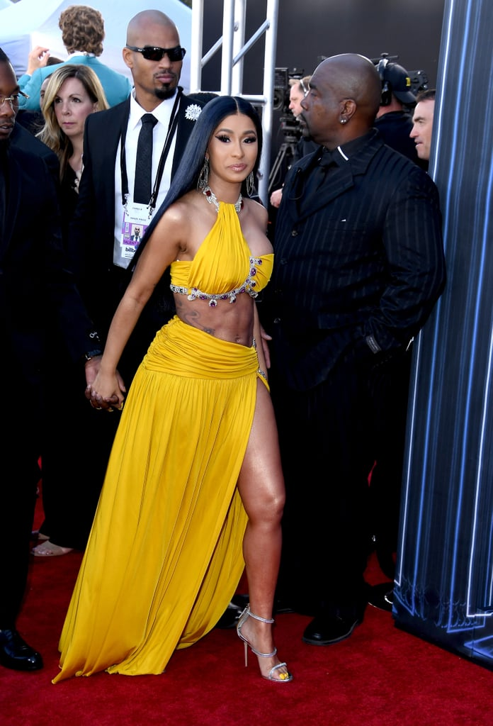 Cardi B Flaunts 6 Pack Abs In Instagram Video Watch Clip: Cardi B's Abs At The 2019 Billboard Music Awards