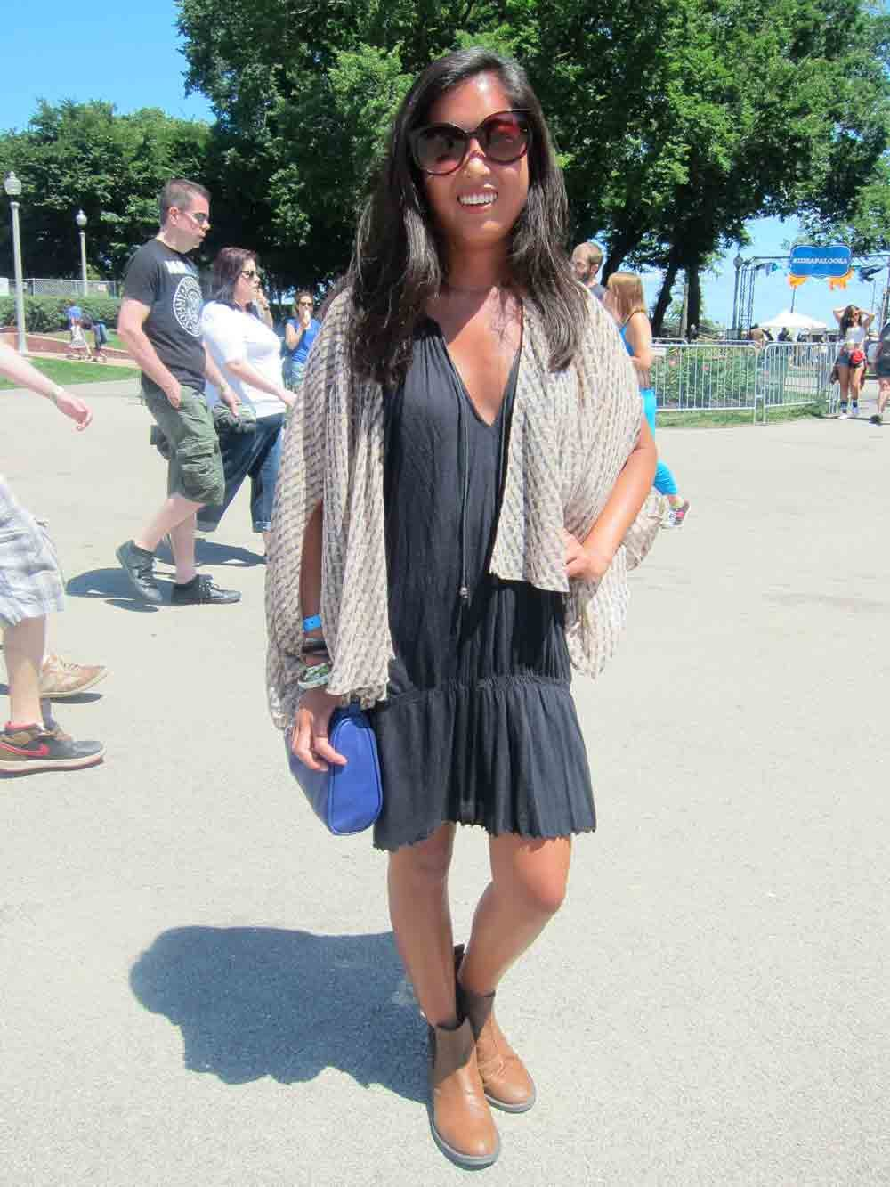 Chicago weather can leave you hot one minute and chilled the next. Stacey clearly came prepared for all conditions with an Akira kimono layered over her Free People dress. Her House of Harlow sunglasses and H&M bag didn't hurt, either.
