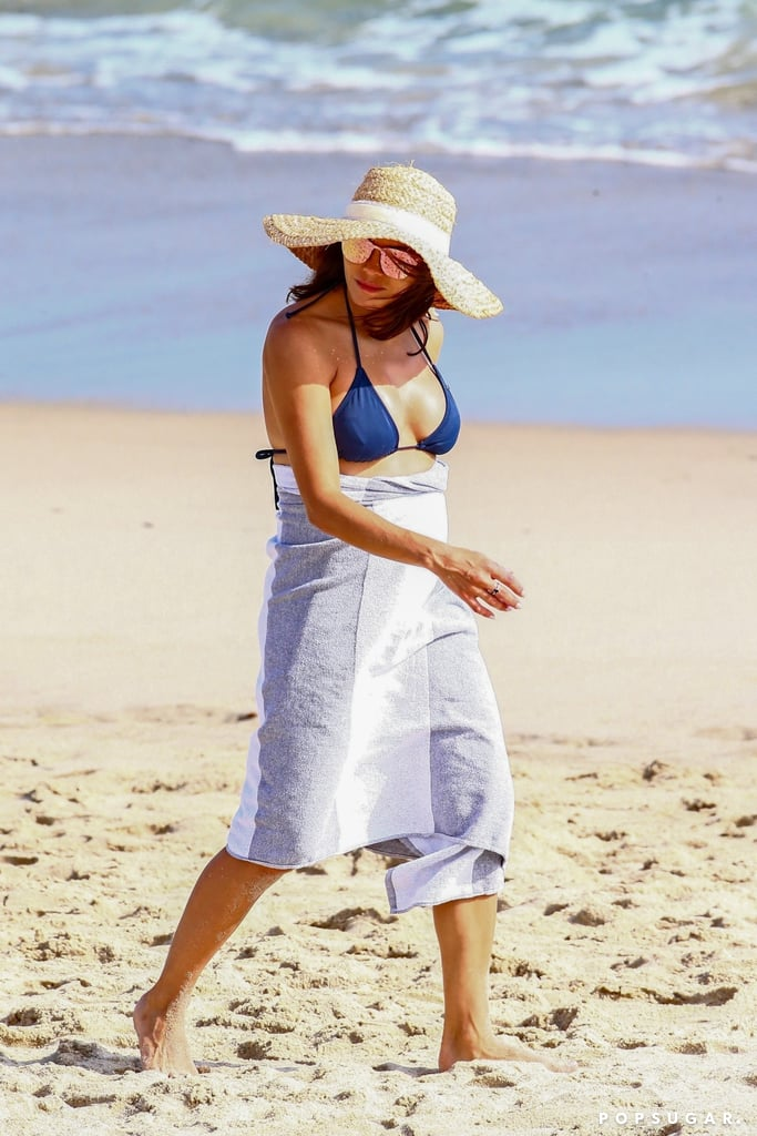 Jenna Dewan in a Bikini Baby Bump Pictures