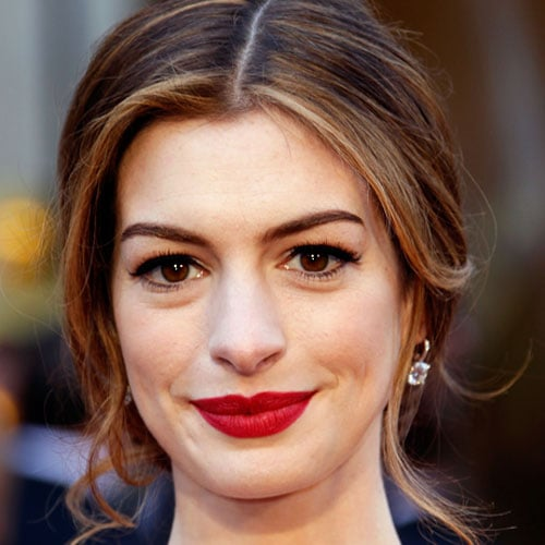 Behind the Scenes With Anne Hathaway's Oscars Makeup Artist 2011-02-28 21:17:02