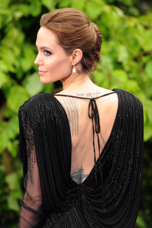 Angelina Jolie Brings Brad and Maddox to Kensington Palace!