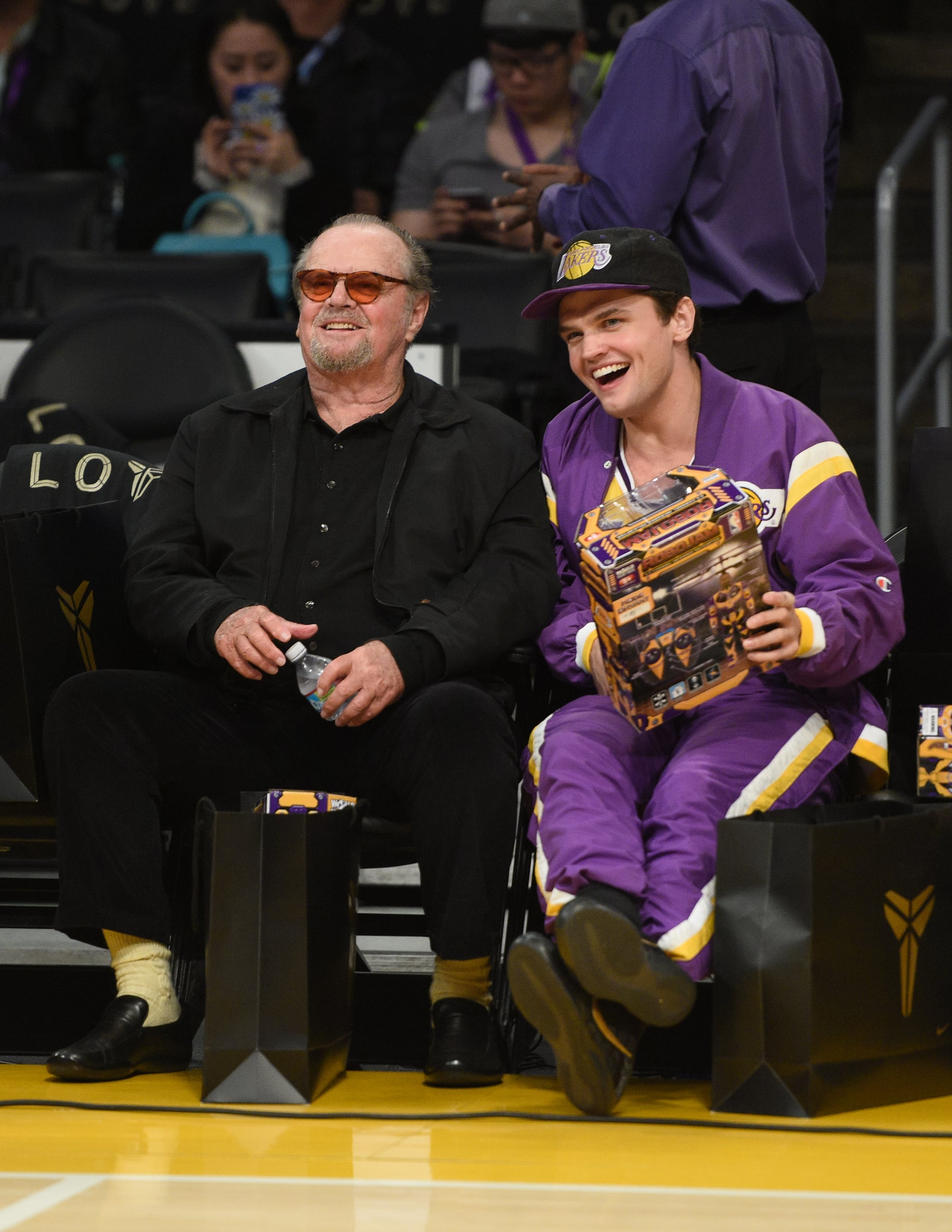 Jack And Ray Nicholson 17 Celebrities Who Cheered On Kobe Bryant At His Last Lakers Game Popsugar Celebrity Photo 7 Reviewer and beta reader of fantasy/horror, lover of english football and a glass of fine wine to accompany a great meal. jack and ray nicholson 17 celebrities
