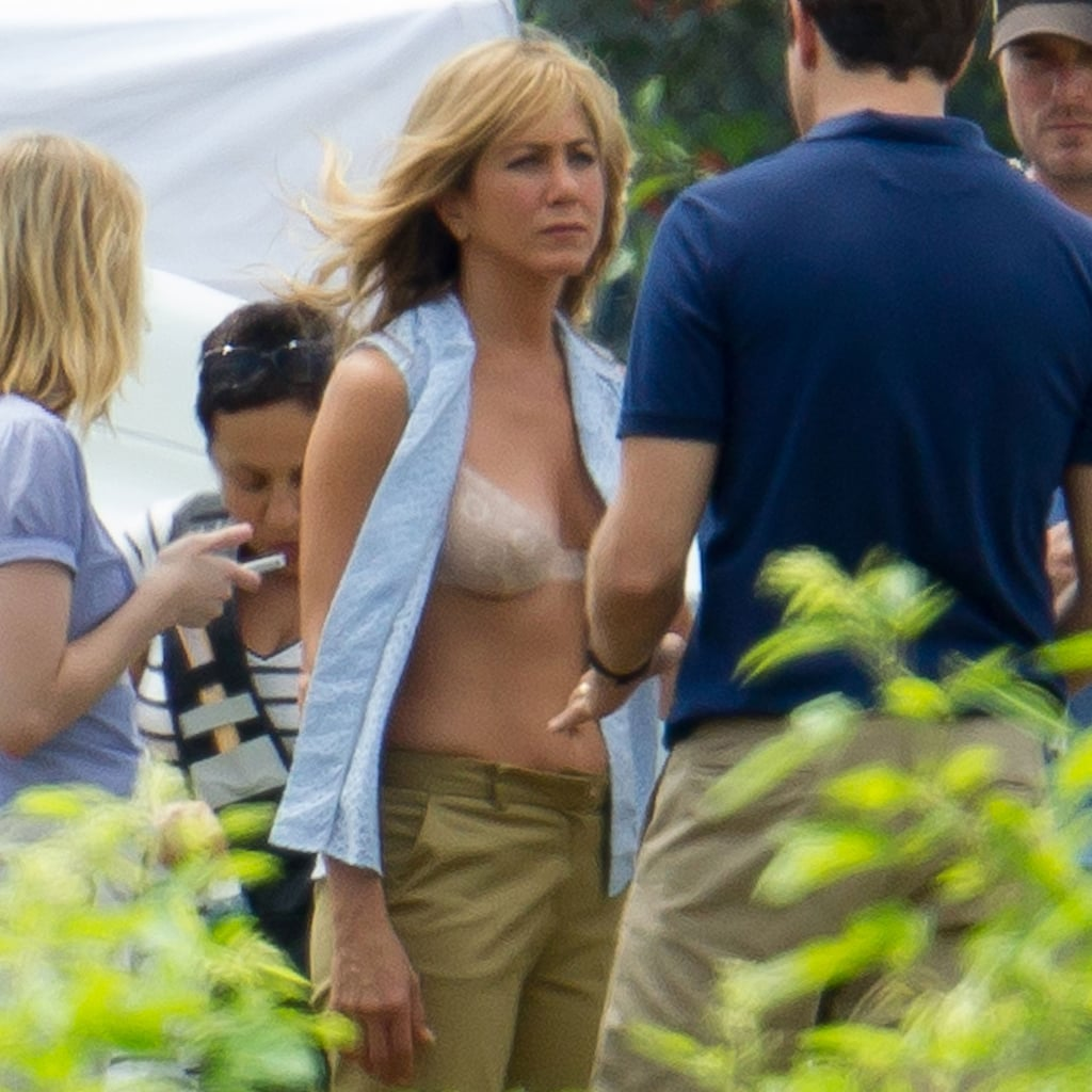 Jennifer Aniston Wearing a Bra on Set