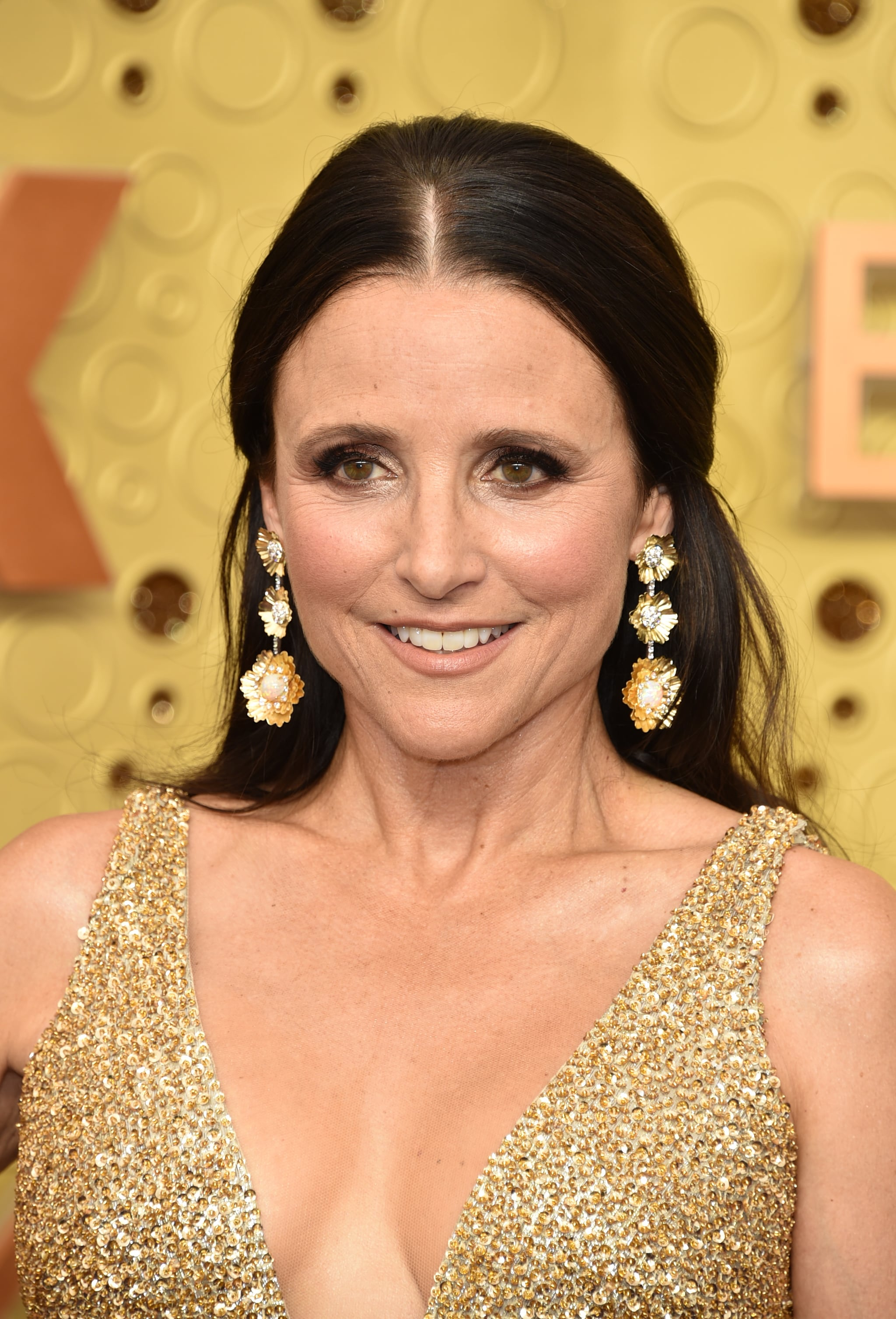 Julia Louis Dreyfus At The 2019 Emmy Awards These Sexy Emmys Red