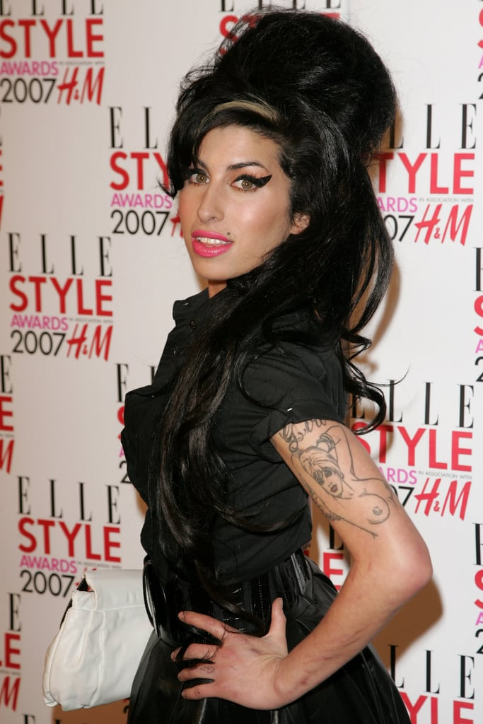 in february 2007 amy hit the red carpet at the elle style awards in best amy winehouse. Black Bedroom Furniture Sets. Home Design Ideas