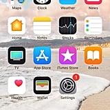 ابحثوا عن تطبيق السّاعة على شاشة هاتفكم الرئيسيّة