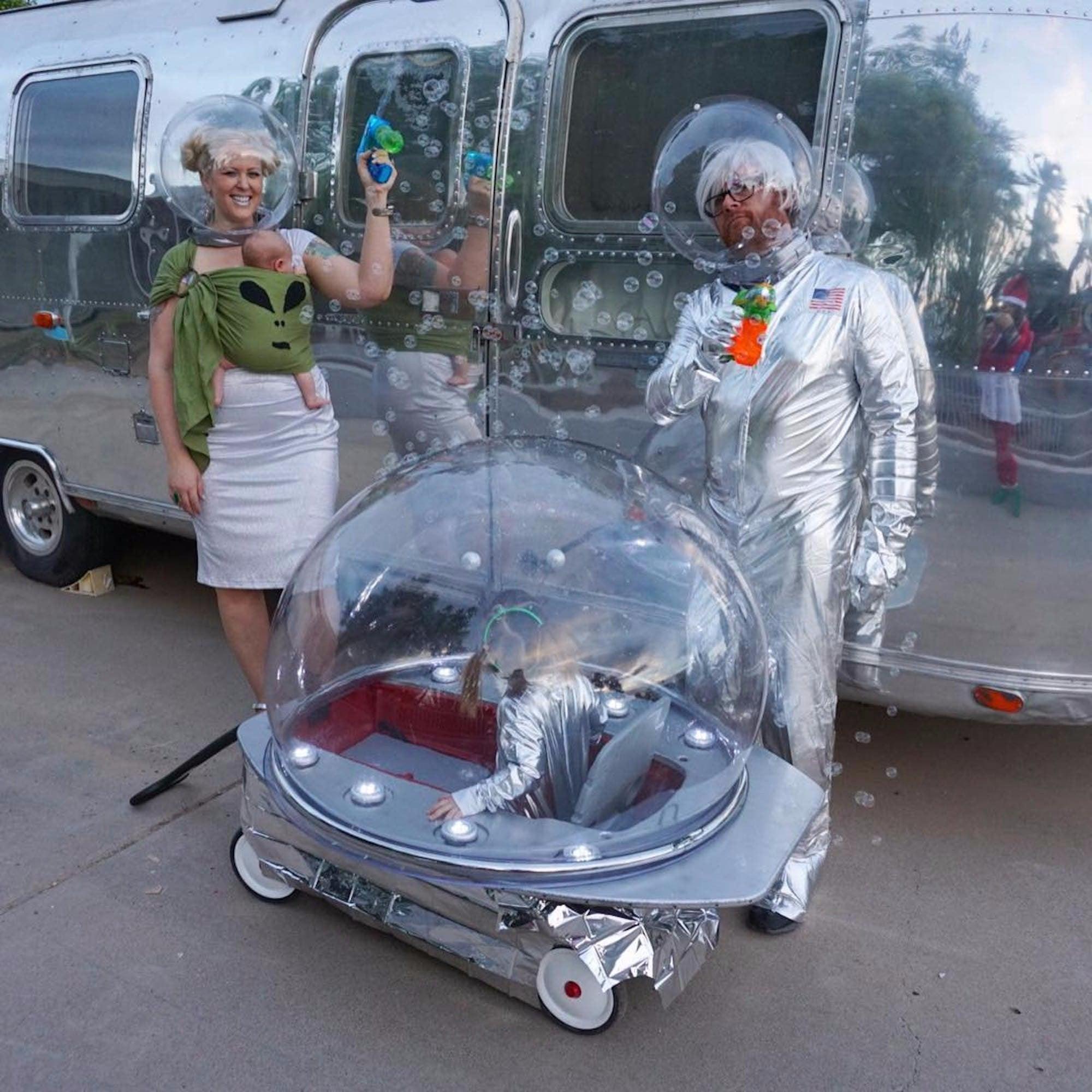 sc 1 st  POPSUGAR Australia & Alien Family Halloween Costume | POPSUGAR Australia Parenting