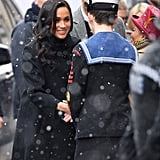 Meghan Markle Not Wearing Gloves While Shaking Hands Photos