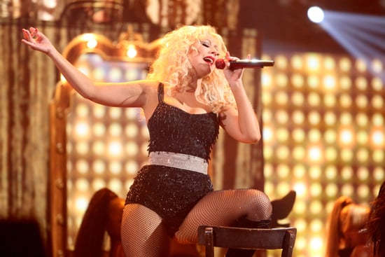 Christina Aguilera Performs Express as the American Music Awards