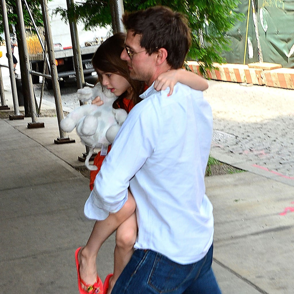 Tom Cruise picked up Suri.