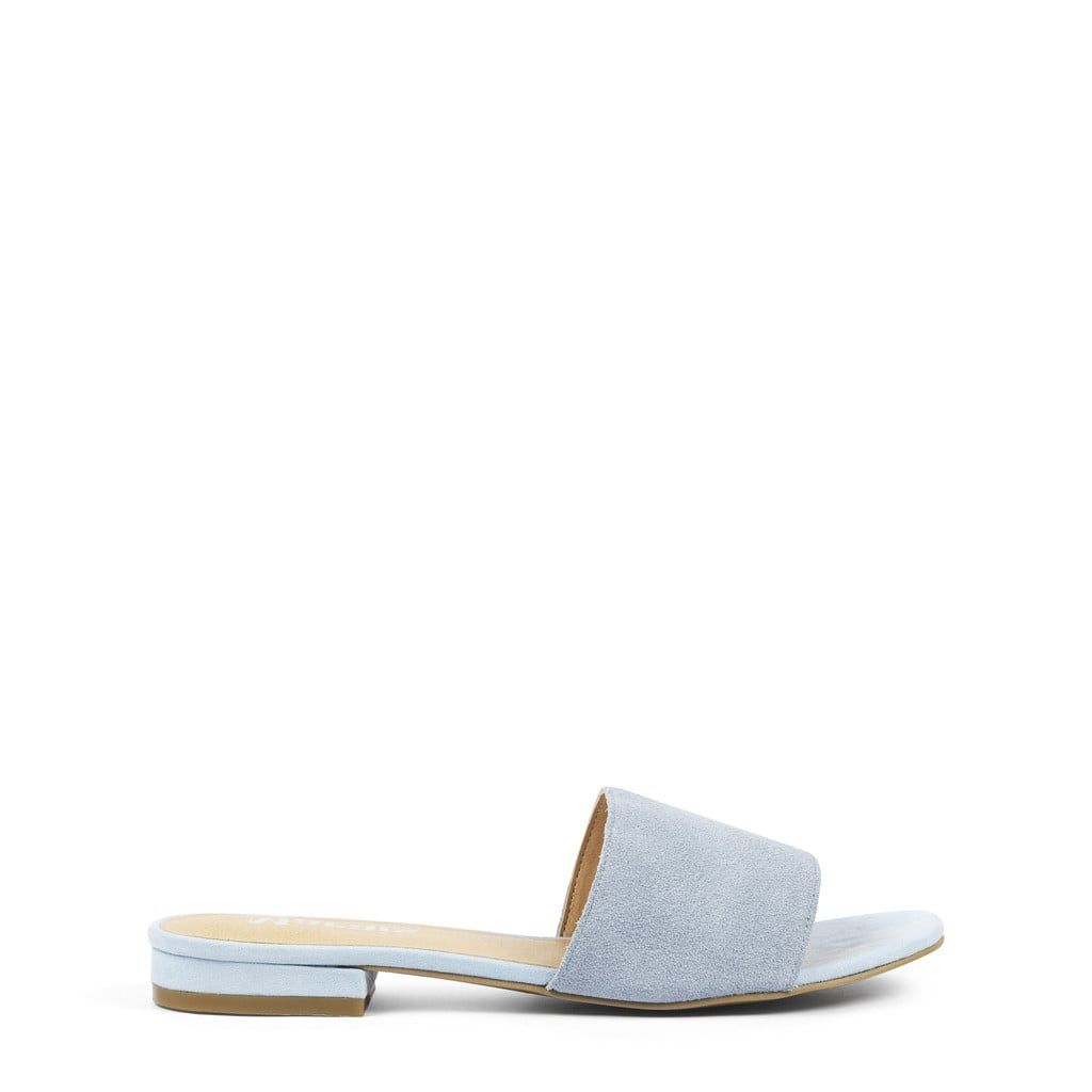 Sandal season may be nearing an end, but I still can't help but crave a pair of these Marais slides ($168). The blue suede is on-trend for the coming Fall, and they're so comfy I imagine wearing them everywhere — even if it means pairing them with socks once it starts to cool off. 