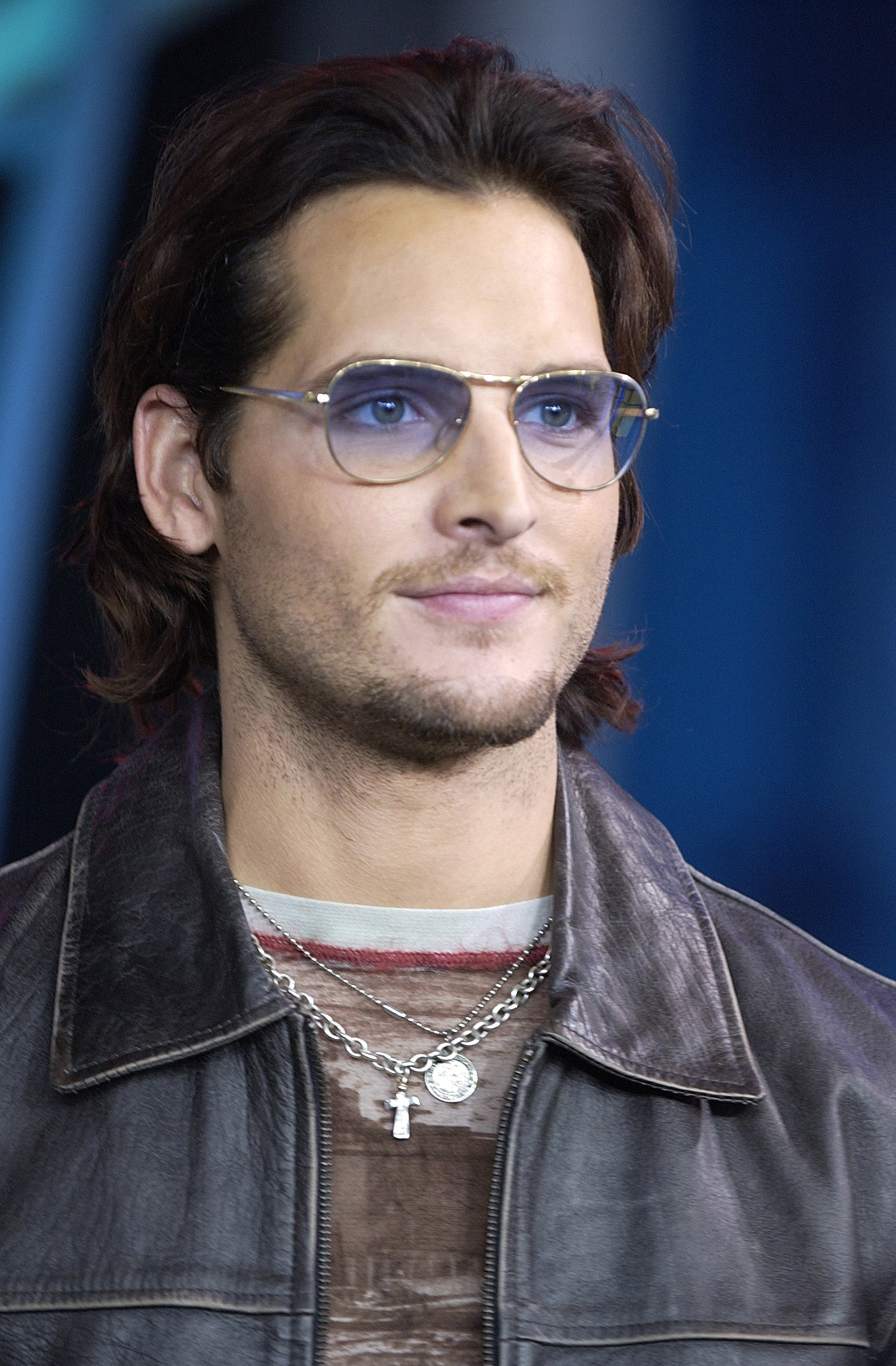 Peter Facinelli promoted Fastlane on TRL in 2002.